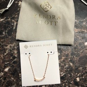 Kendra Scott Whitlee Pendant necklace rose gold